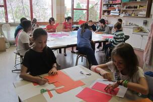 Filles-garçons : tous ensemble à l'école d'arts plastiques