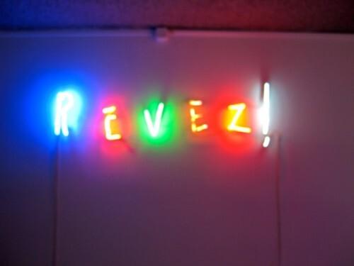 Leveque-revez--neon-2.jpg