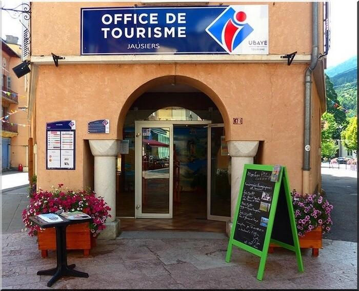 Jausiers,petit village des Alpes de Haute Provence (04)