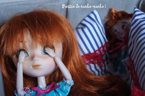 Charly et sa poupée