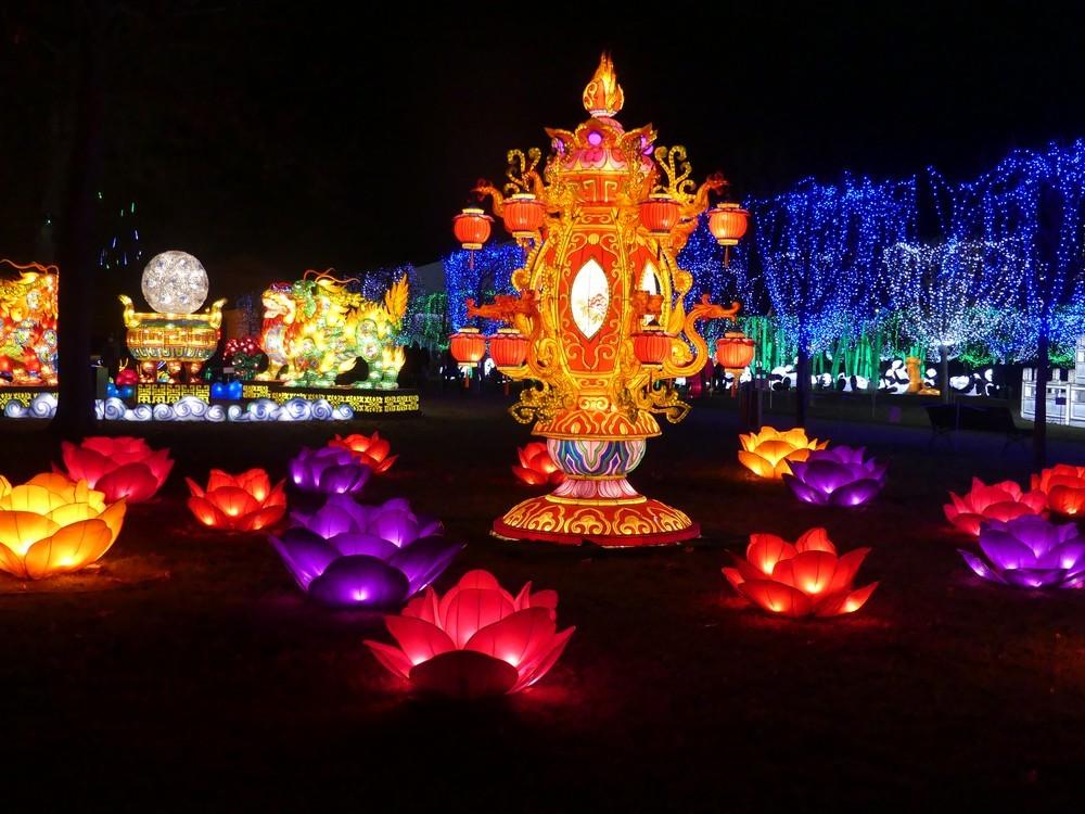 Arches et Palais, au Festival des Lanternes Chinoises, à Gaillac...
