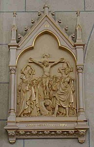 XII-Jésus meurt sur la croix