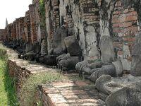 Statues de Bouddha décapitées