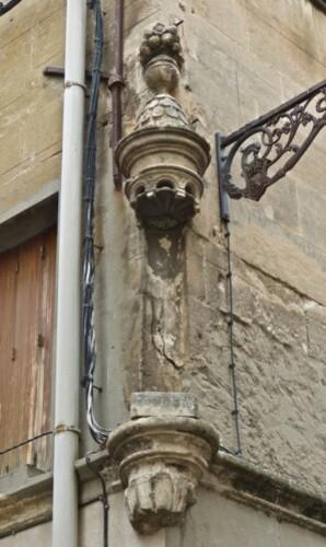 Arles niche fantôme vide 2