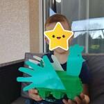 Christopher a fabriqué une poule !