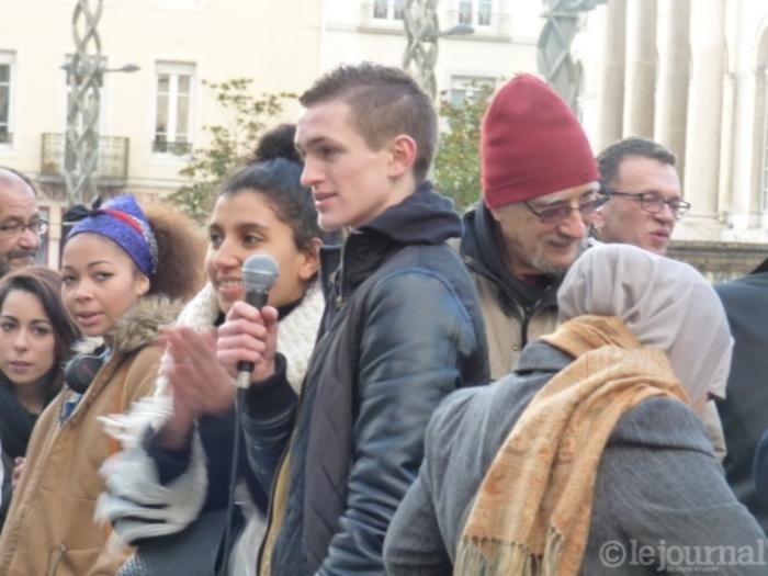 Chalon-sur-Saône (Saône-et-loire) Un lycée contre les amalgames, le racisme et l'islamophobie » *** « Lettre à ma fille » par JMG Le Clézio Prix Nobel de littérature