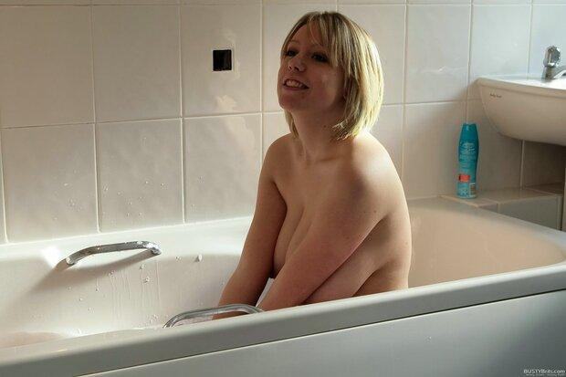 BigBoobs - Jenny Jones - 3 -