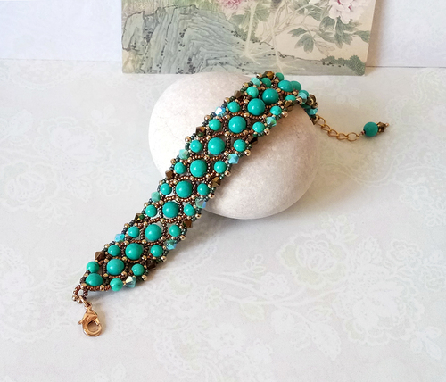 Bracelet tissé Pierre de howlite teintée turquoise et Cristal de Swarovski / Laiton doré