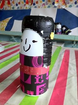 Les poupées Kokeshi en bouteilles de lait