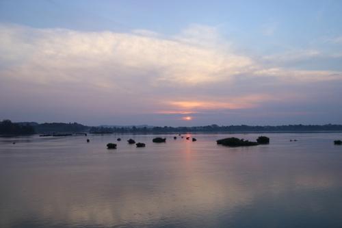 Lever de soleil sur l'île de Khong