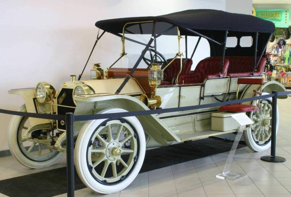1912 Stearns-Knight Runabout - AACA Museum