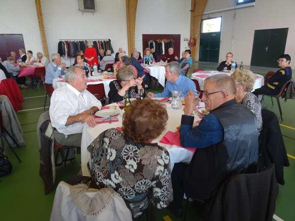 Le repas des Séniors de Châtillon sur Seine 2016, a eu un grand succès....