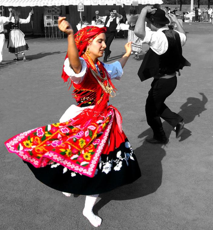 MEDELEY PORTUGAIS ( Danse Folklorique)