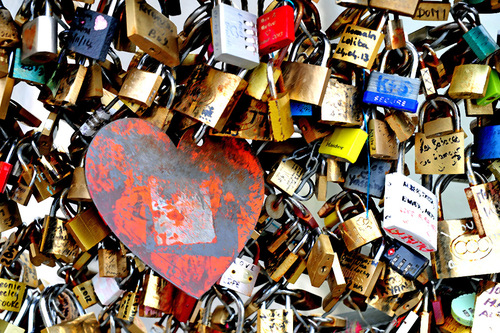 "BD/ DLB   "" Ponts des Arts "" ....L'invasion des Cadenas Of LOVE !!"