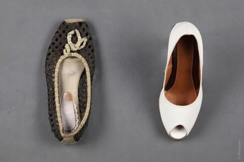 Le mieux serait d'avoir toujours sous la main une paire de chaussures confortables et de rechange, pour que nous puissions nous changer.