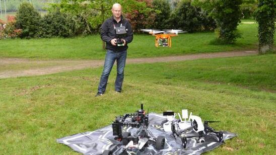 À l'aide de son drone, Yann Le Naour filme les événements avec une qualité vidéo exceptionnelle. Sa vidéo du Lac de Guerlédan a eu les honneurs de France 2.