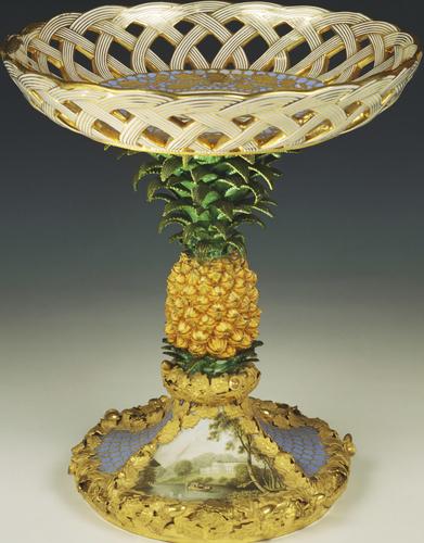 Ananas au château de Windsor, service en porcelaine