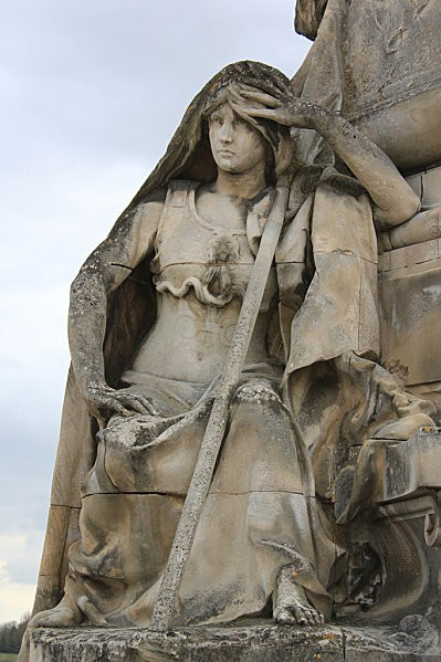 Angoulême 43 statue Carnot