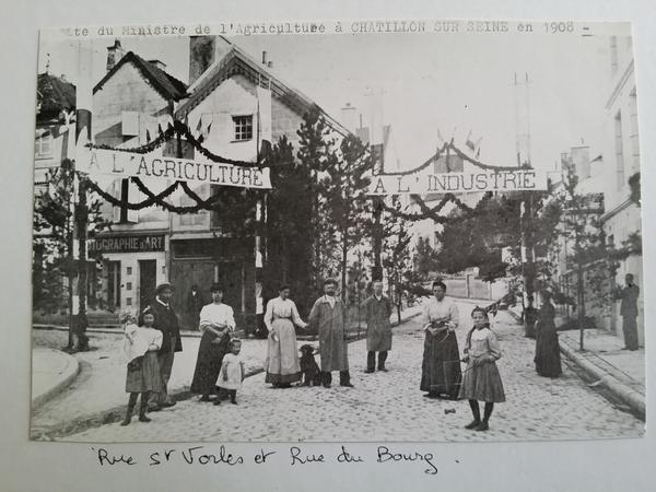 Deux photos anciennes découvertes par Pierre Magès...