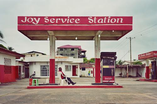 05 - Les stations services encore, en couleurs