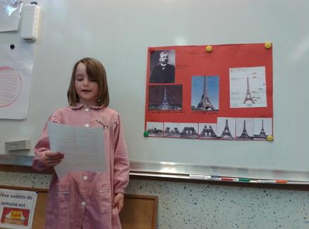 Palmyre présente la Tour Eiffel