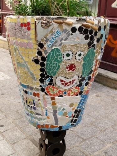 street-art Denoyez pot fleur 8800