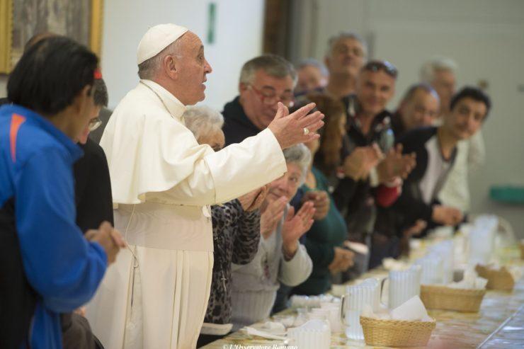 Déjeuner avec les pauvres de la Caritas de Florence © L'Osservatore Romano