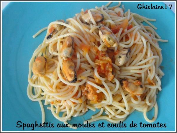 Spaghettis aux moules et coulis de tomate