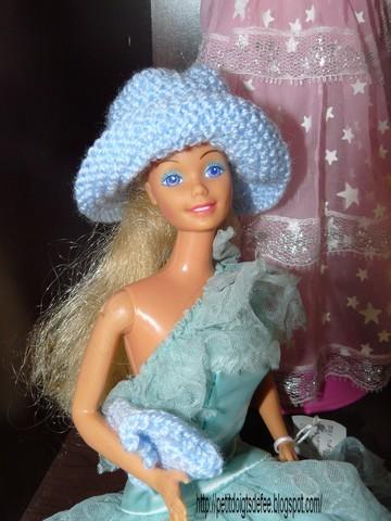 barbie-chapeau-bleu.JPG