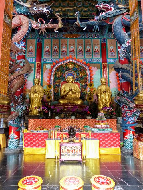 Kunming au Yunnan; suite de la visite du temple bouddhiste Yuantong.