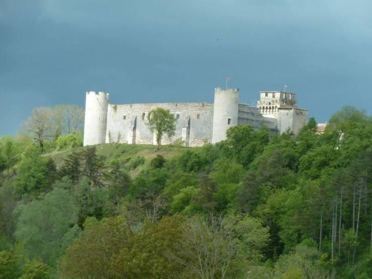 Chateau à Druy les belles fontaines