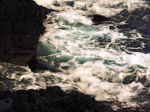 Des voiles blanches, des vagues bleues...