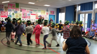 Fête de la galette à l'école maternelle - rondes et danses