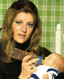 Mai 1975 : Bébé Ludo chez lui, à Feucherolles !