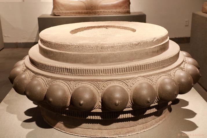 Musée de la sculpture Cham, piédestal