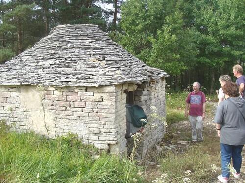 Le circuit des cabanes en pierres sèches au pays du Crémant...