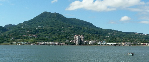 Guanyinshan from Danshui river.