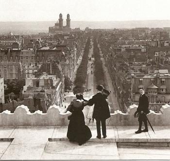Arc-de-Triomphe-1900-640x606