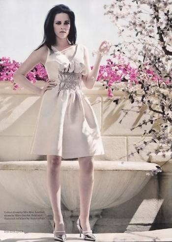 Kristen-Stewart-ELLE-Magazine-UK-June-2012-03