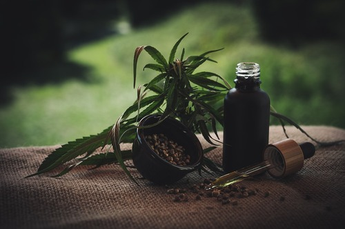 CBD Drops vs CBD Vape Oil - Which One is Better?