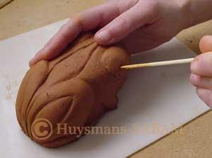 Réalisation d'un photophore grenouille en terre - Arts et sculpture: sculpteur, artisan d'art