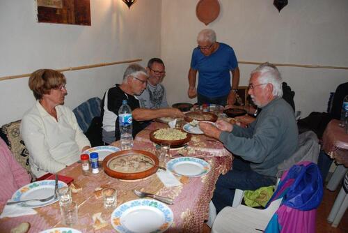 JD et José mangeront keftas de chaleau
