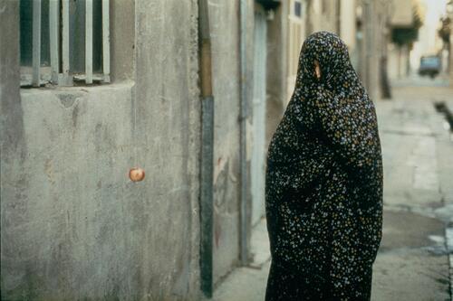 La pomme - un film de Samira Makhmalbaf (1997)
