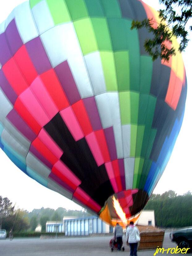 Limousin:  Vol en Montgolfière, de la randonnée à l'ascension dans les airs