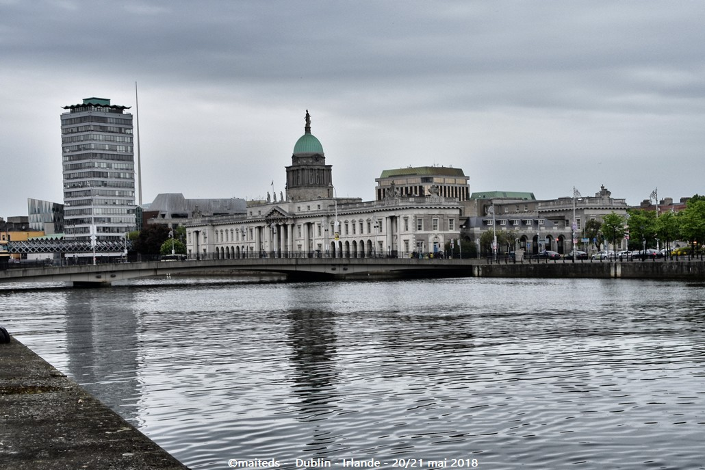 Dublin - Irlande (14) Méli mélo de statues