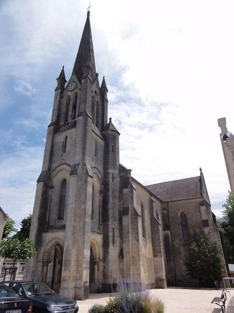Saint-Genis-de-Saintonge (Charente-Maritime) église, extérieur.JPG