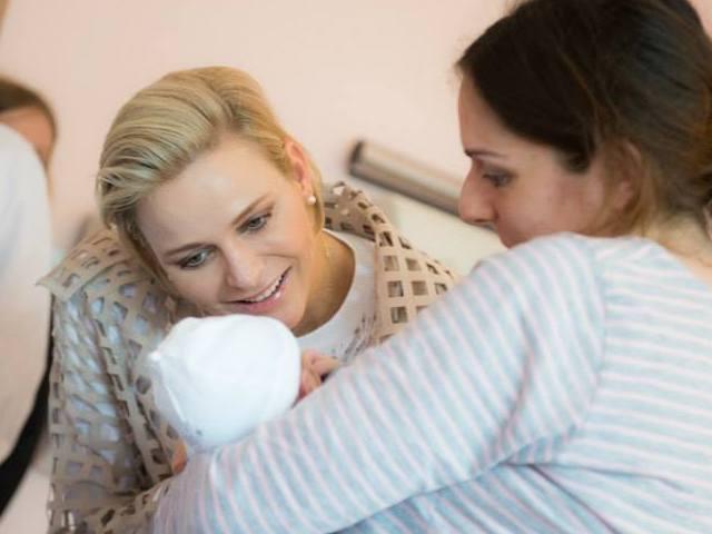 Charlène à la maternité