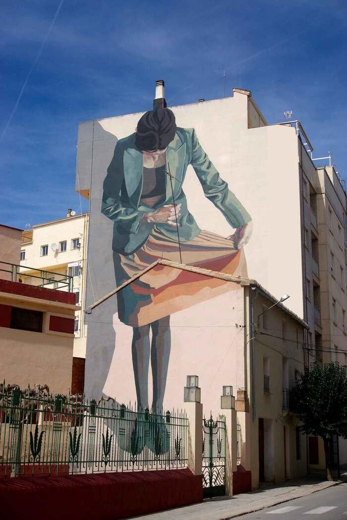 Complexités personnelles explorées à travers les Peintures murales monumentales de Hyuro