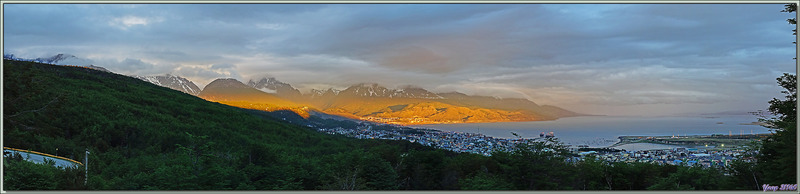 La journée se termine, il est l'heure de nous coucher en même temps que le soleil, quand tout à coup ... - Ushuaïa - Terre de Feu - Argentine