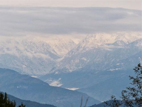 lever de soleil sur la chaine des Himalayas